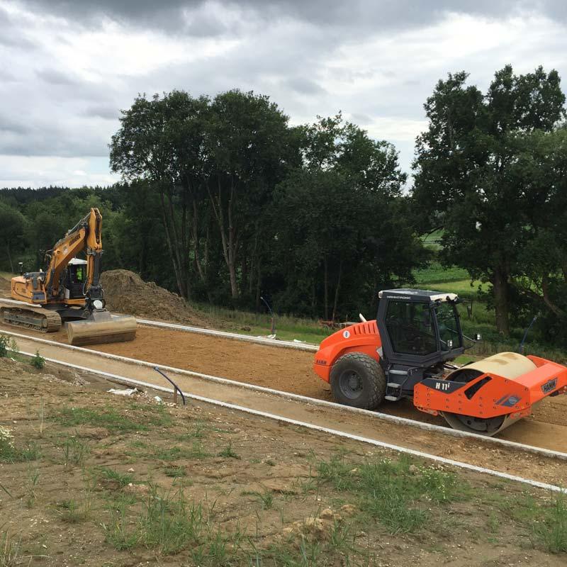 Vorbereitungen für den Bau einer neuen Straße.